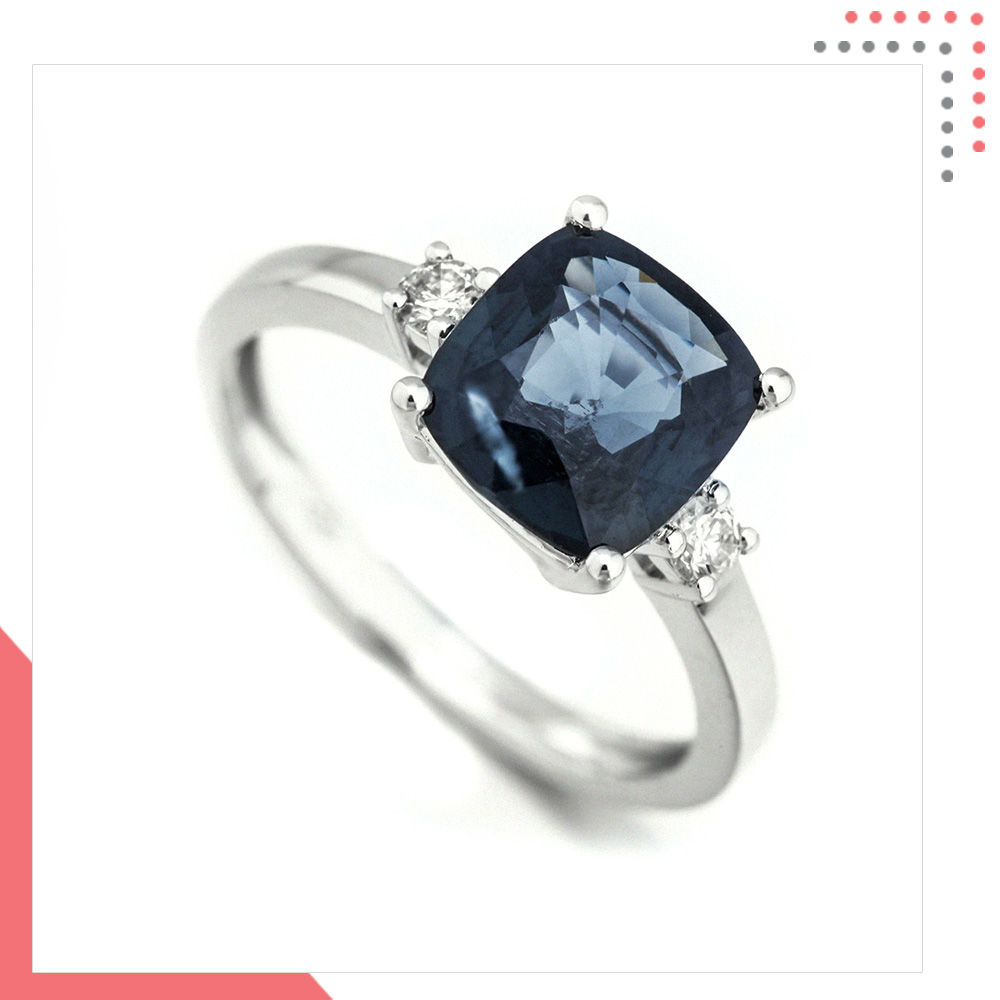 Divine Gems Space EOS 18K White Gold Ring