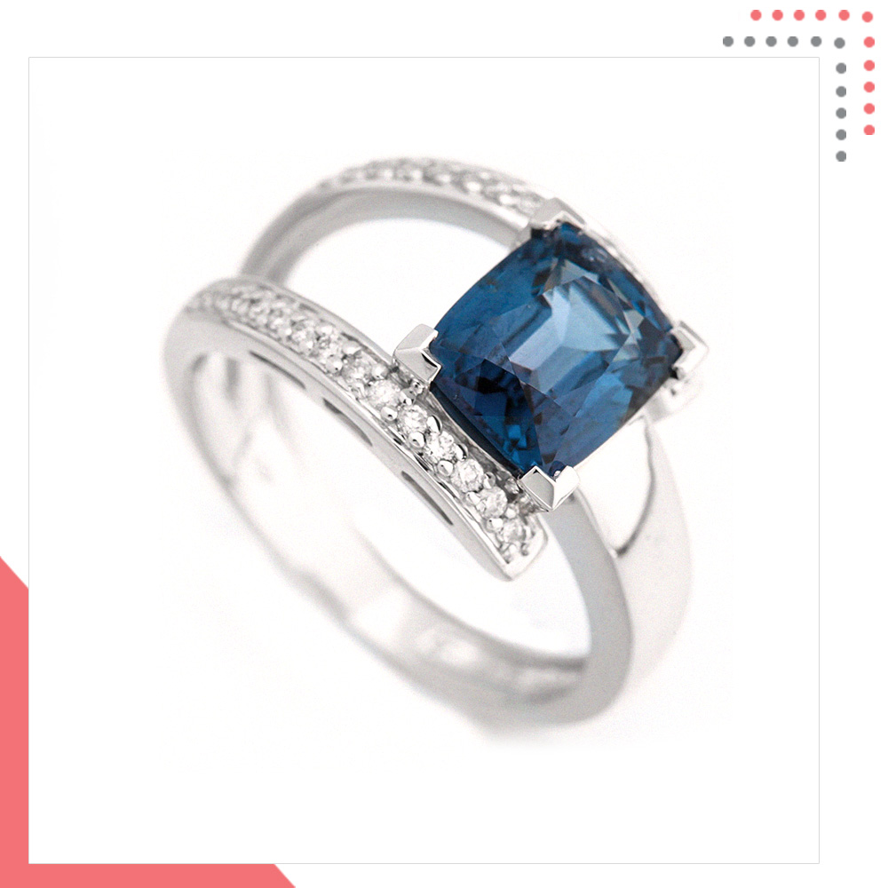 Divine Gems Blue Athena 18K White Gold Ring
